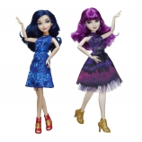Disney Descendants 2 Isle of the Lost Royal Yacht Fashion Dolls - Mal and Evie